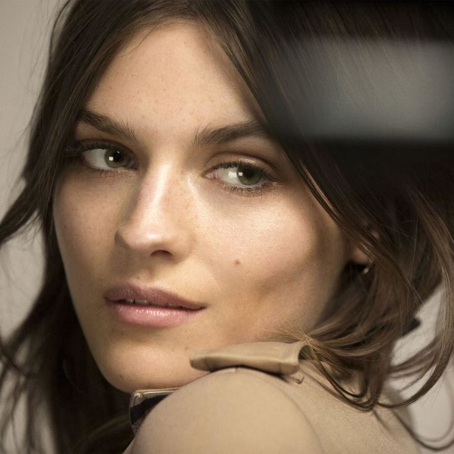 Burberry Launches Contouring Beauty Line