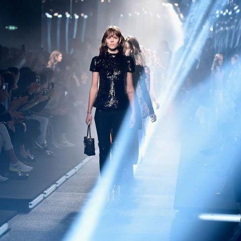 Watch Now: Louis Vuitton A/W16