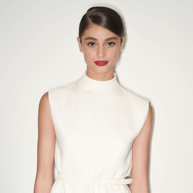 Taylor Hill Shares Her Beauty And Body Secrets