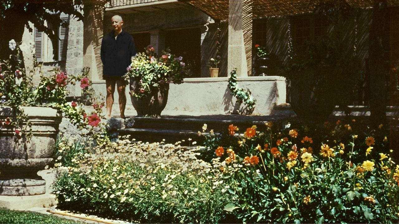 Maison Christian Dior Montauroux summer in provence: the house that dior built | harper's
