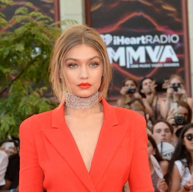 The Six Best Looks From The iHeartRadio Much Music Awards Red Carpet