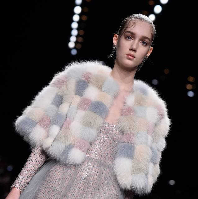 Watch Valentino's S/S17 Show Live From Paris Fashion Week