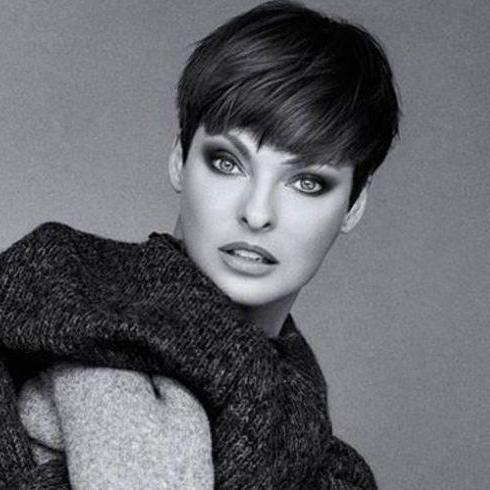 This Serum Is The Reason Linda Evangelista Gave Up Botox