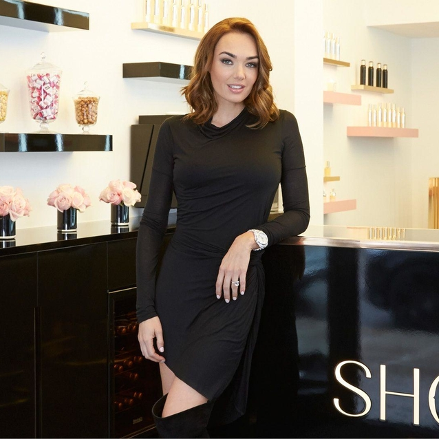Tamara Ecclestone Launches The First Show Beauty Pop-Up Blow Dry Bar In Dubai