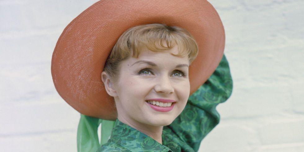 Celebrities Mourn Debbie Reynolds' Death