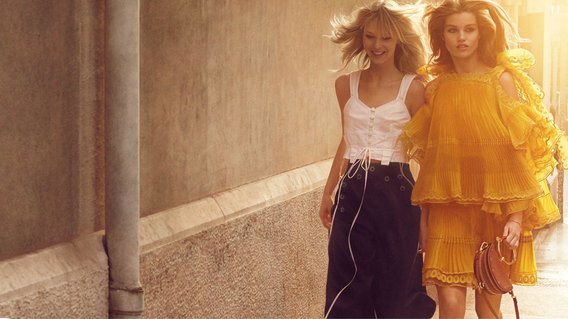 #ChloéGirls Celebrate The Simplicity Of French Style For S/S17