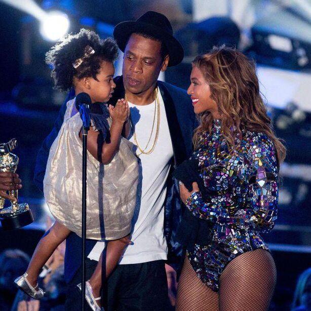 Pregnant Beyoncé attends Michelle Obama's Favourite Workout Class