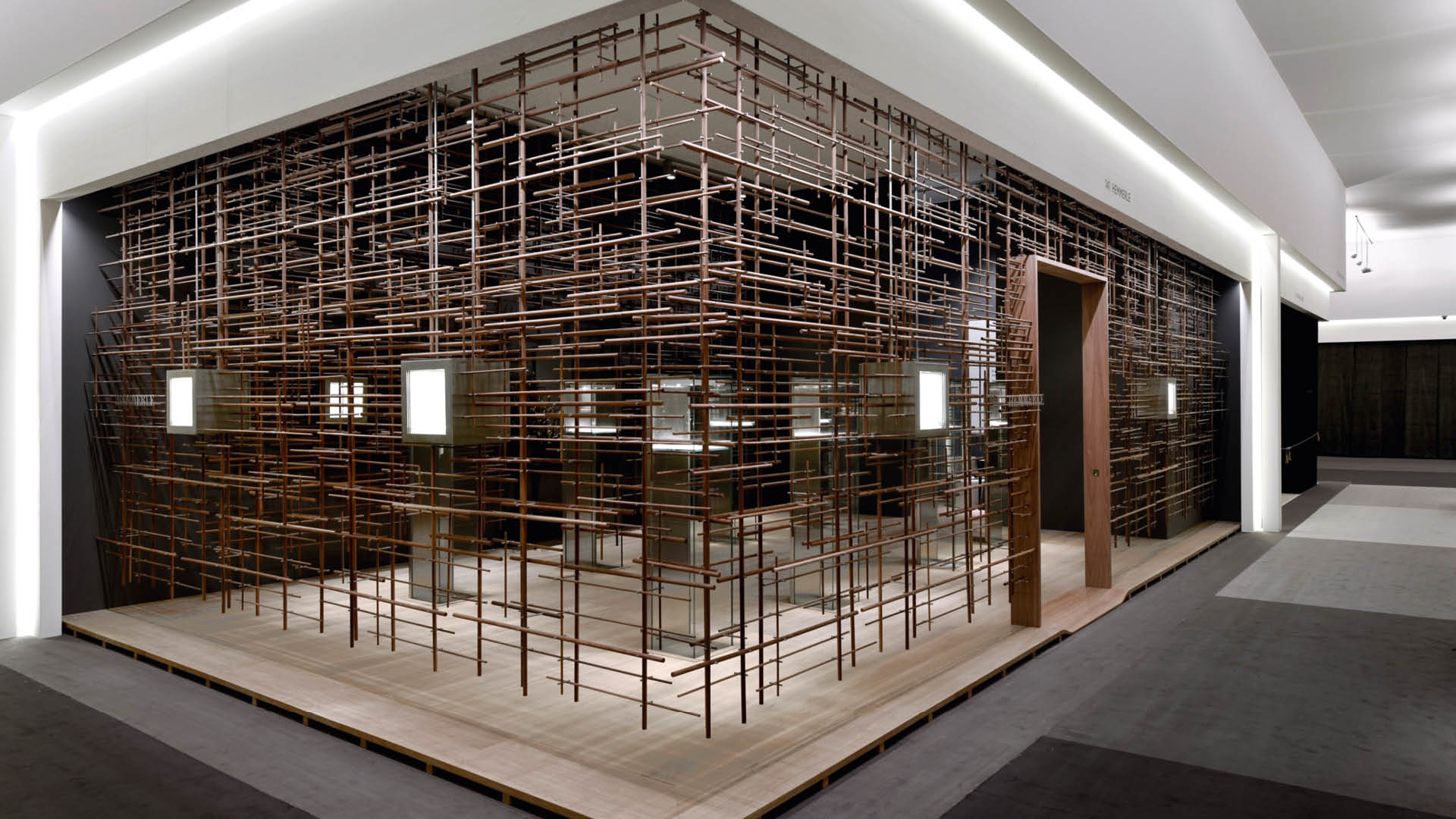 Hemmerle Showcases Leading Contemporary Jewels at TEFAF Maastricht 2017