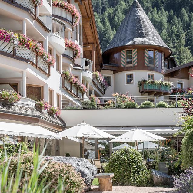 The Escape   Das Central, Austria