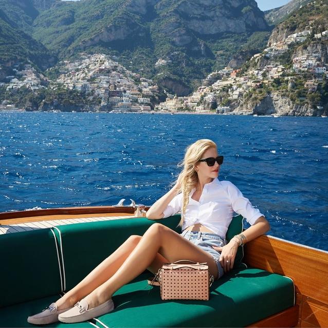Chiara Ferragni Celebrates The Amalfi Coast With Tod's