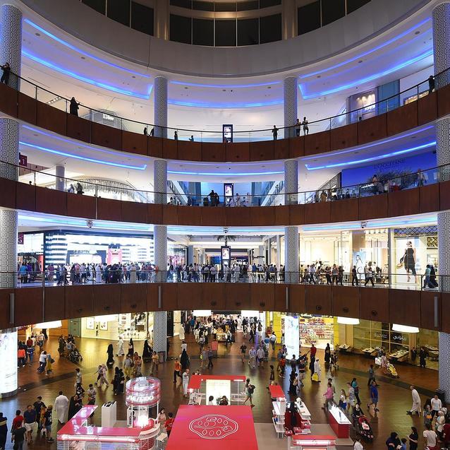 Watch | Heavy Rainfall Floods The Dubai Mall