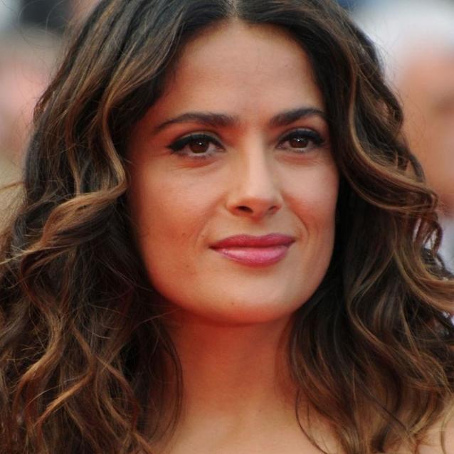 Salma Hayek Explains Her Minimal Make-Up Routine