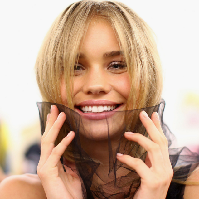 Hollywood Smile 101: How To Get Over Your Fear Of Veneers