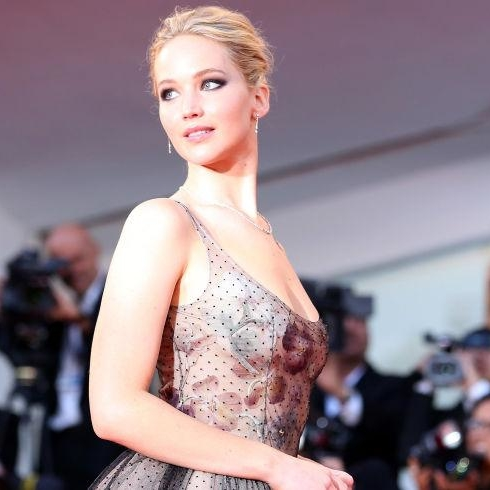 Jennifer Lawrence Demonstrates That Wearing A Giant Princess Gown Isn't As Easy As It Looks