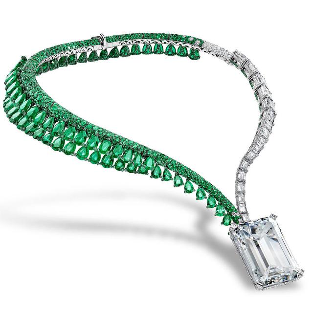 Dubai Showcases Unique Creation I Diamond Necklace By De GRISOGONO