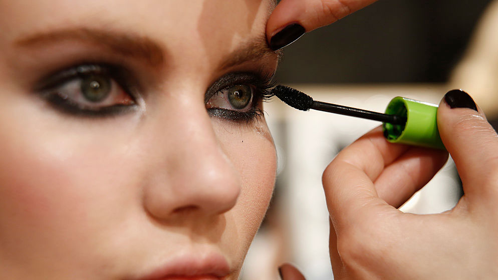 Why Your Mascara Keeps Sliding And Smudging Under Your Eyes