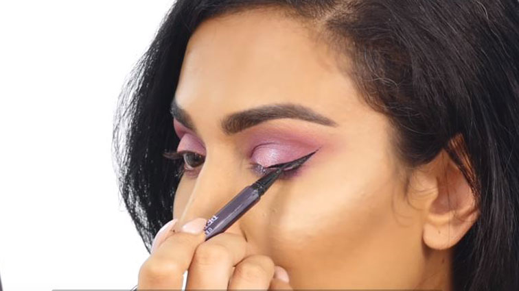 WATCH: Huda Kattan's Guide To Getting The Perfect Winged Liner