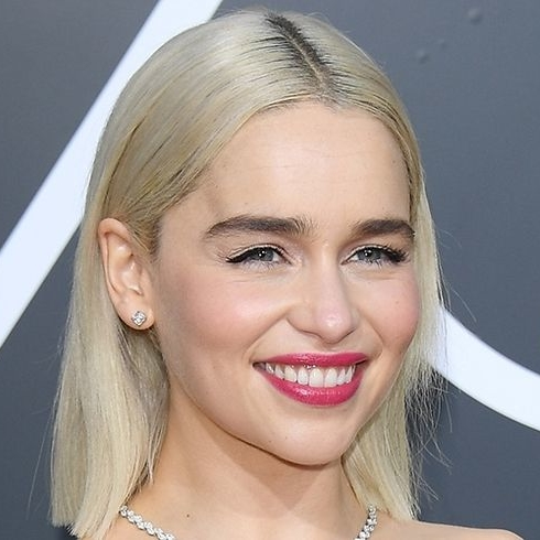 Emilia Clarke Asks Fans Not To Take Selfies With Her Anymore