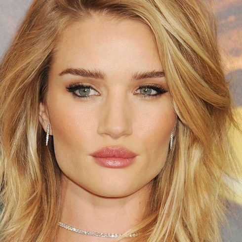 Rosie Huntington-Whiteley Just Launched a Beauty Website Called Rose Inc.