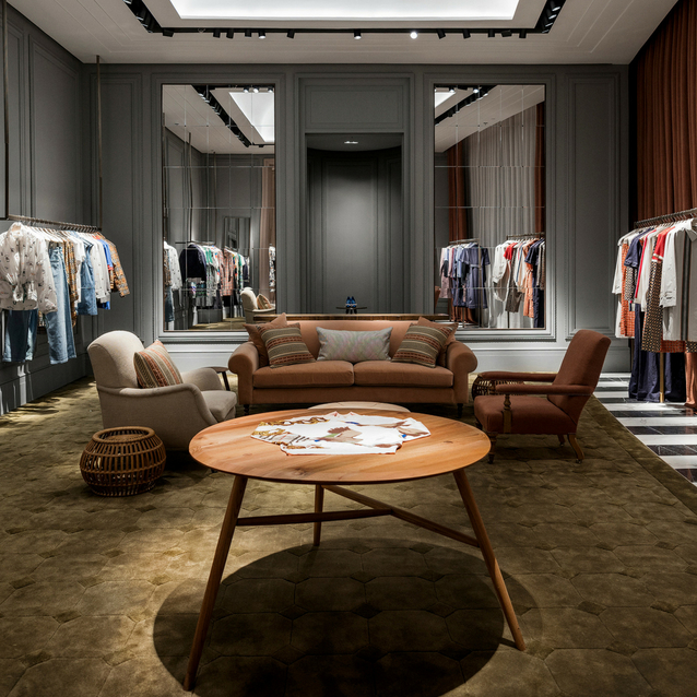 A Brand New Burberry Store Has Just Opened At The Dubai Mall Fashion Avenue