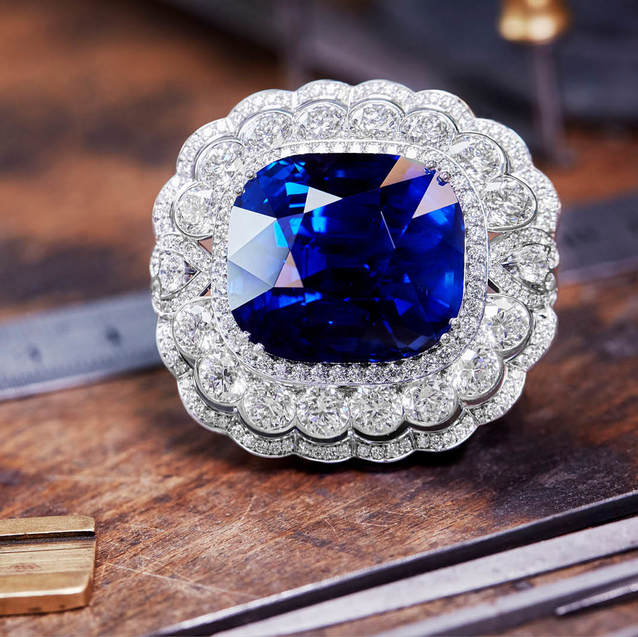 House Of Garrard Creates 118 Carat Sapphire To Mark Queen Elizabeth's 65th Jubilee