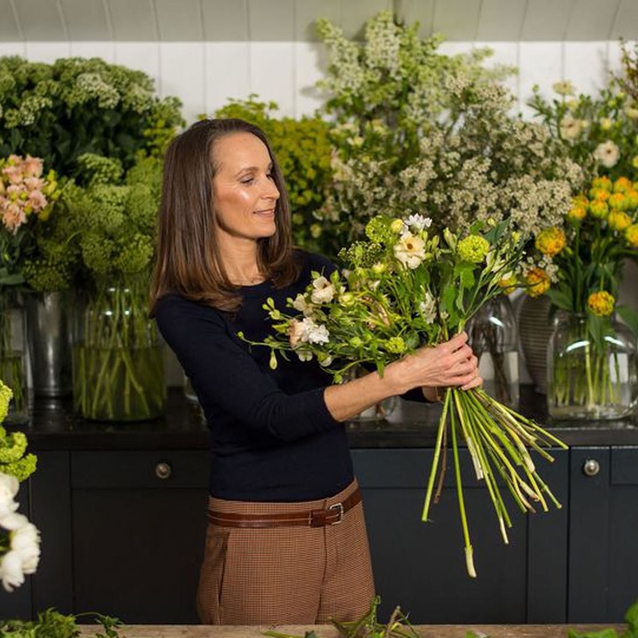 10 Easy Ways To Make Flowers Look Beautiful In Your Own Home