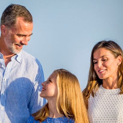 The Spanish Royal Family's Vacation Portraits Are Here And They're Definitely Much Nicer Than Ours