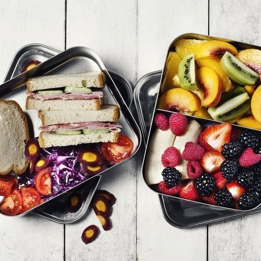 The Best Foods To Eat Before And During A Flight
