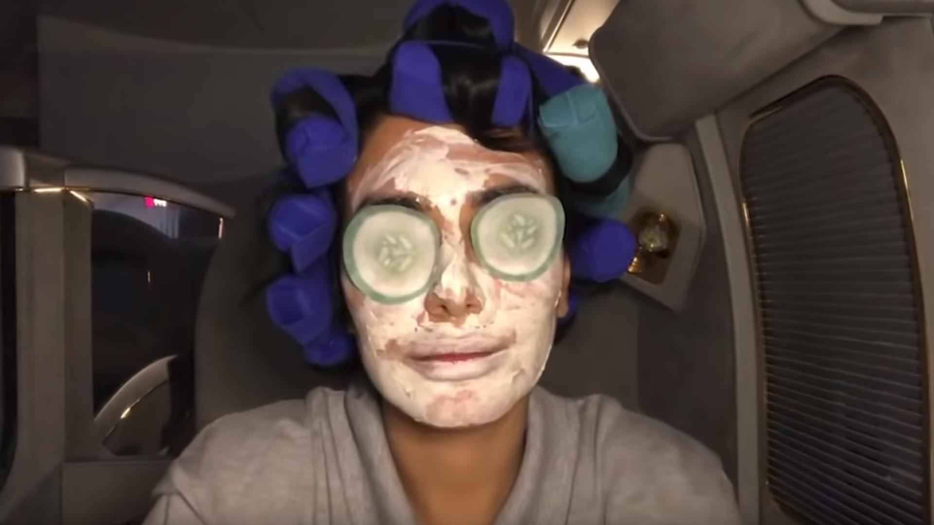 Huda Kattan Just Did An Entire Beauty Tutorial On A Flight