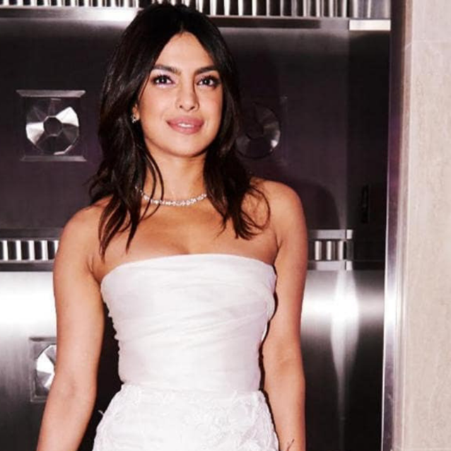Priyanka Chopra Just Debuted Post-Honeymoon Blonde Highlights