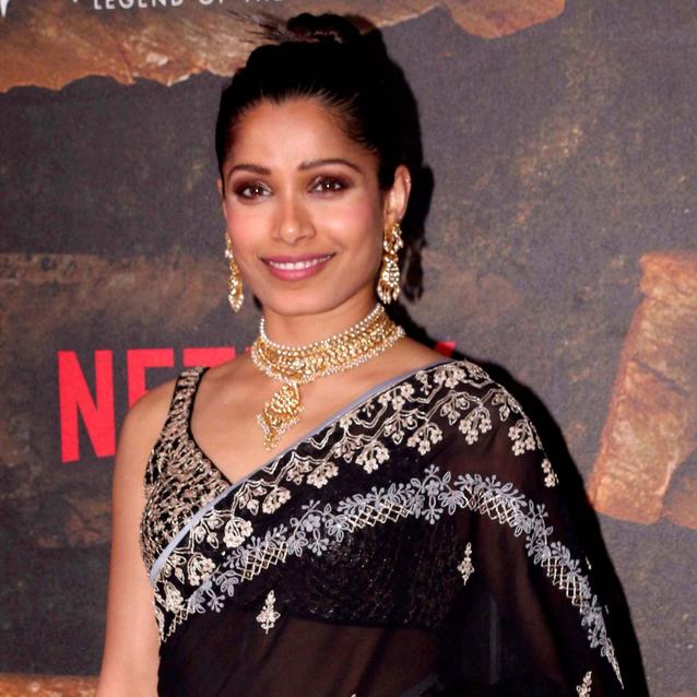 Freida Pinto Just Wore Priyanka Chopra's Favourite Saree Brand On The Red Carpet