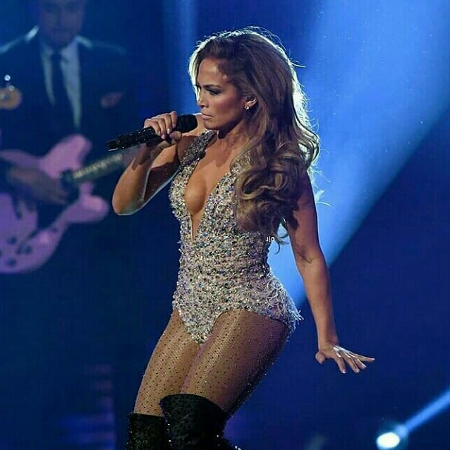 J-Lo Just Wore Zuhair Murad To Perform At The Grammys