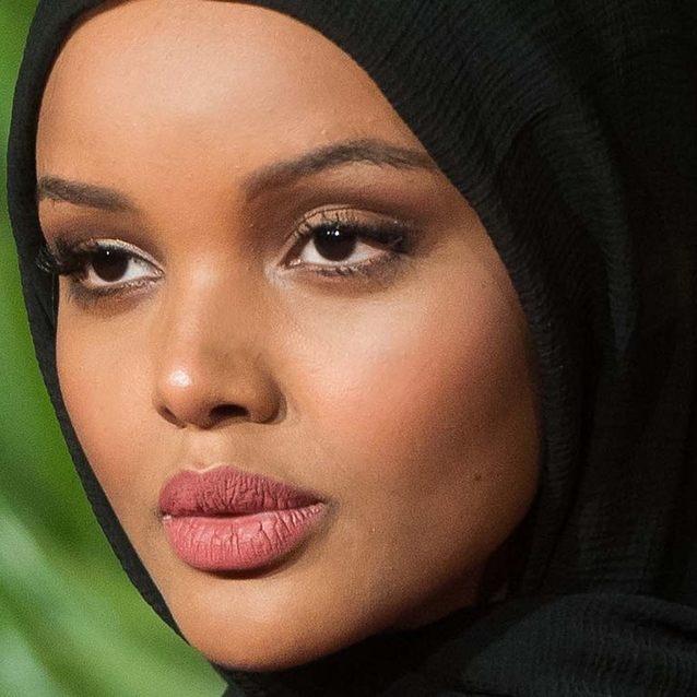 Halima Aden Is The First Sports Illustrated Swimsuit Model To Wear A Burkini And Hijab