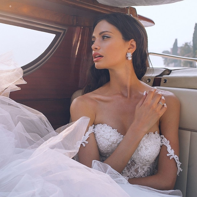 The Insider Tips To Picking Your Dream Wedding Dress