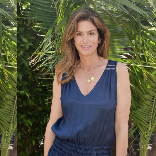 Cindy Crawford Reveals The Simple Move That Gives Her Incredible Abs At 53