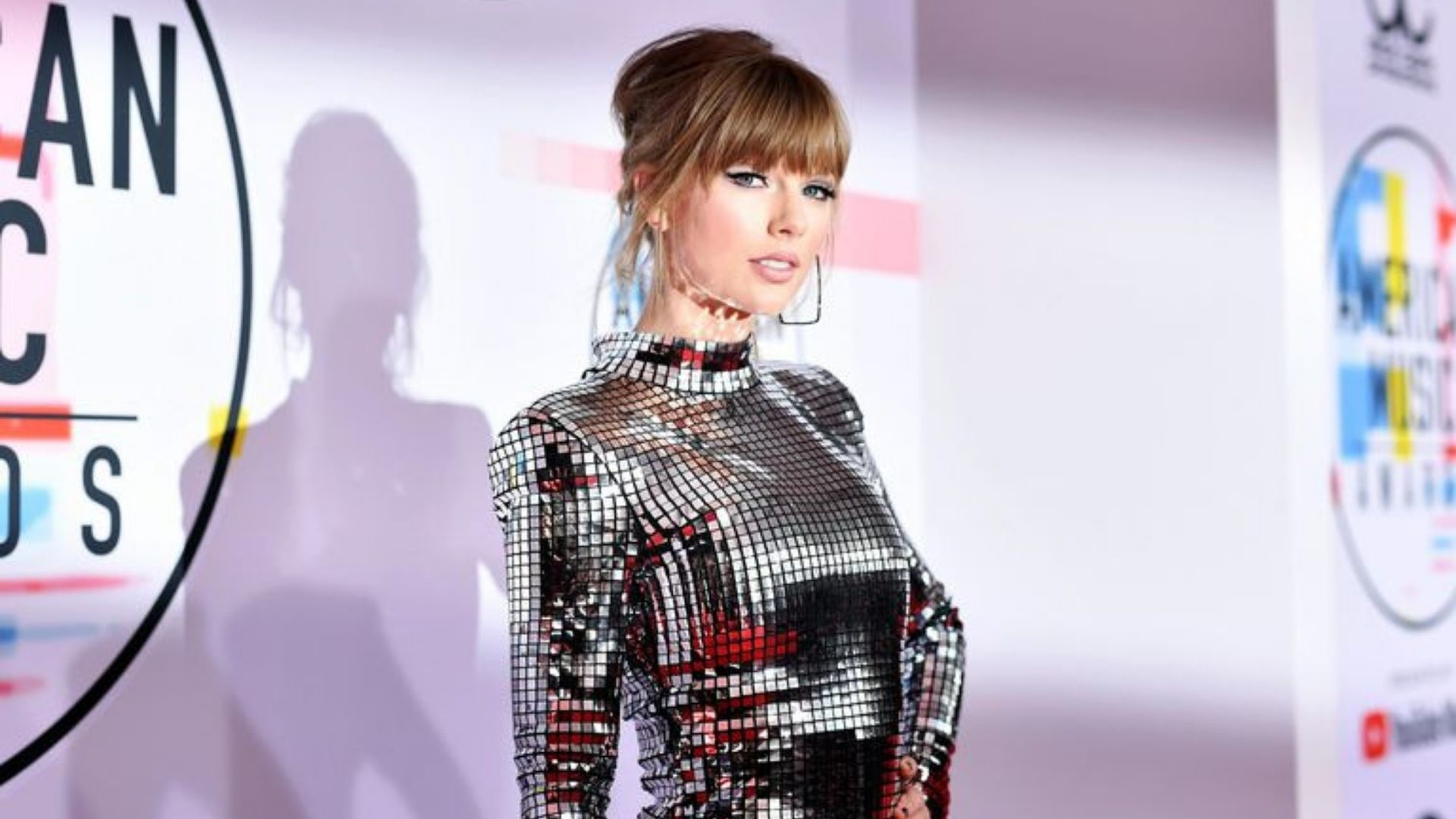 Celebrities Show Support For Taylor Swift Following Music Label Drama