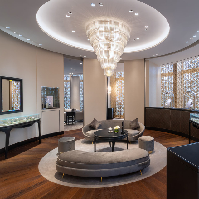 Van Cleef & Arpels Has Just Launched A Beautiful New Boutique Near Dubai Opera