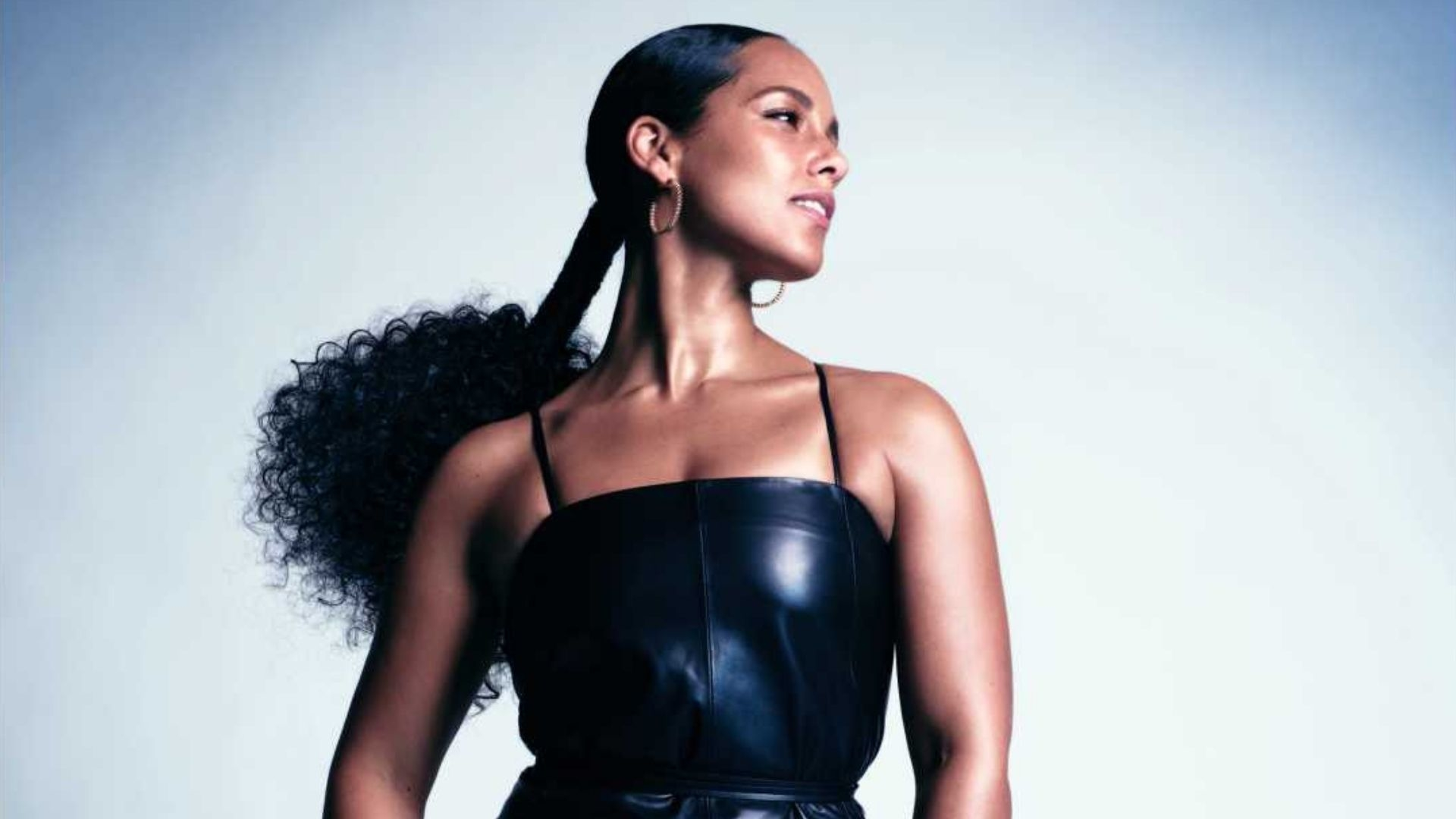 Alicia Keys Is Performing At The Harper's BAZAAR ICONS Party