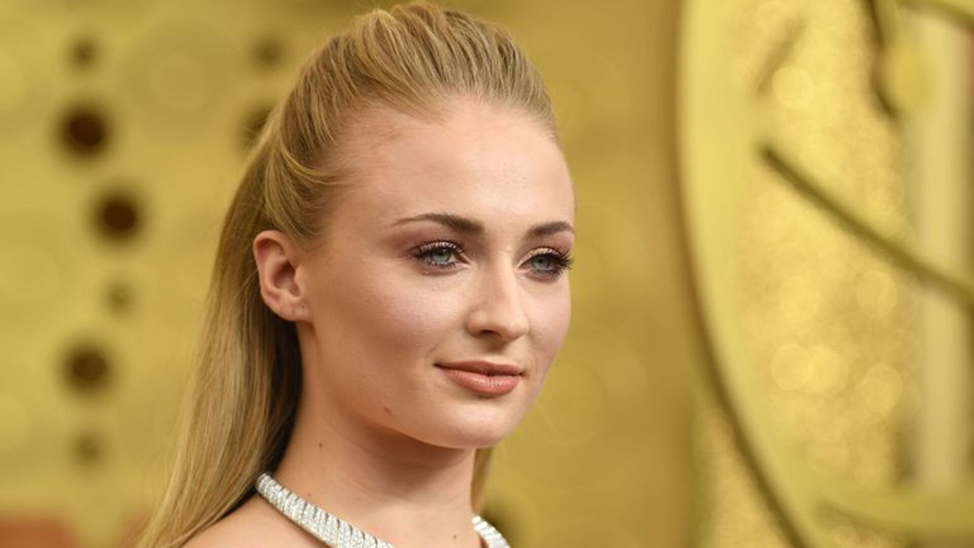 Sophie Turner Takes On Instagram Influencers Pushing Dieting Products On Fans