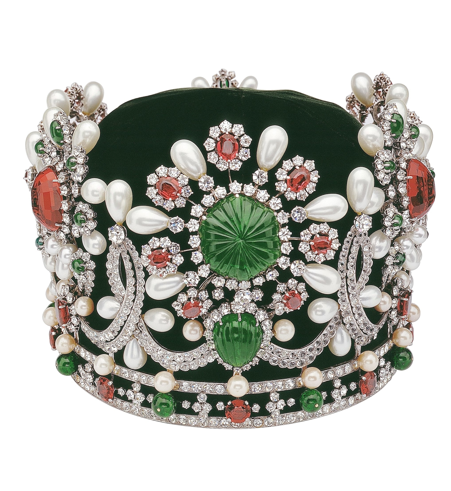 A Century Of High Jewellery To Be Displayed for the First Time in the Middle East