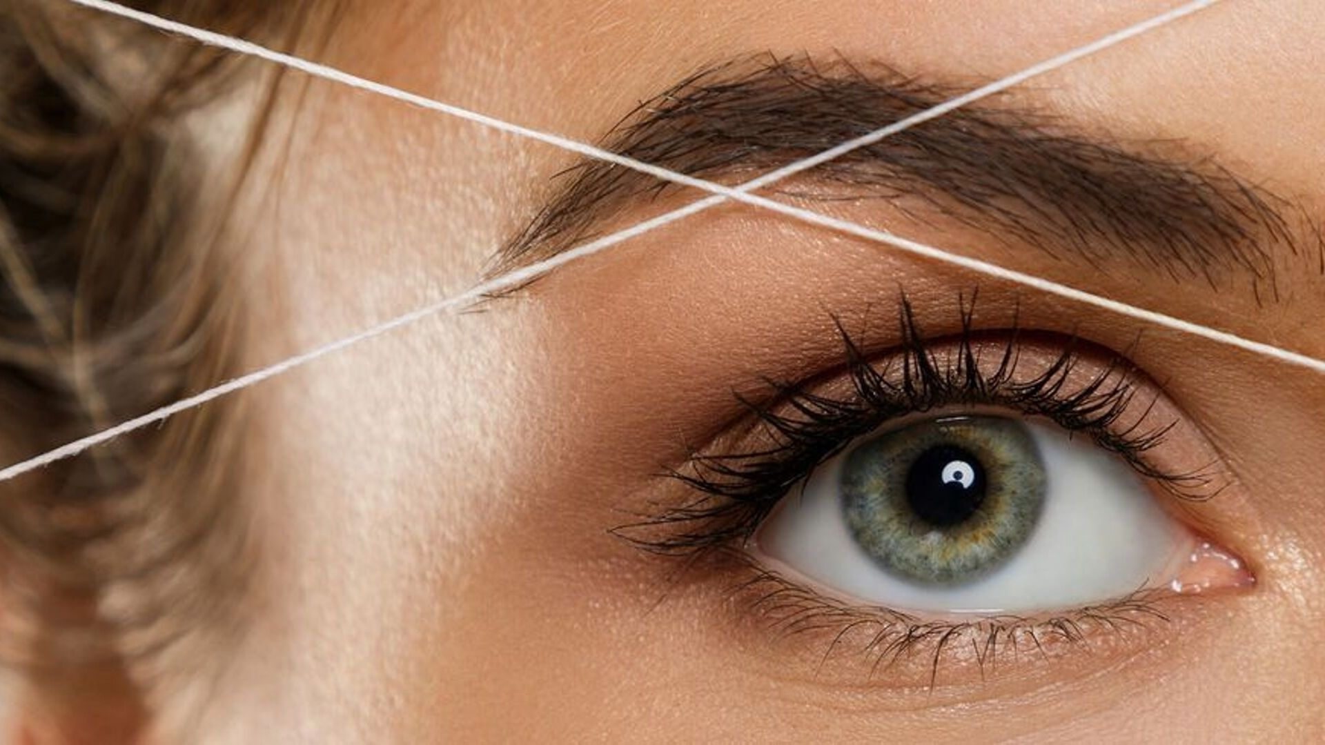 Exactly What You Need to Know About Eyebrow Threading
