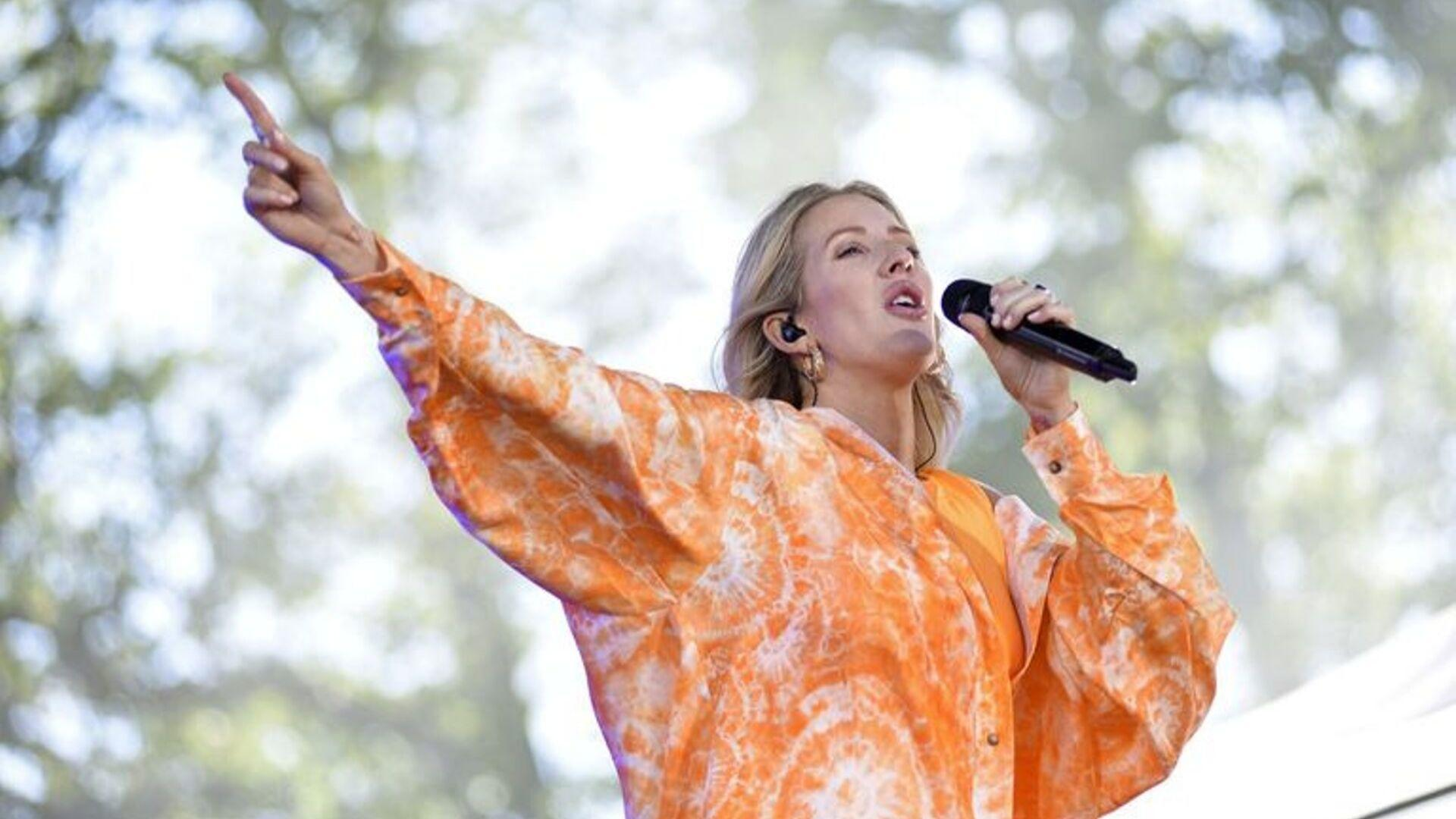 Energise Your Mornings With Ellie Goulding's Two-Minute Stretch Routine