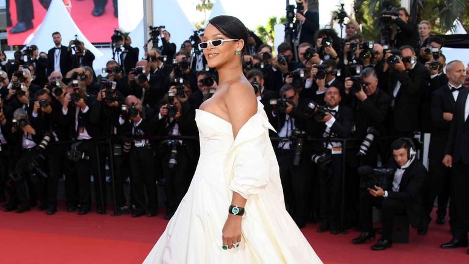 Rihanna Reveals Who She Wants To Design Her Wedding Dress