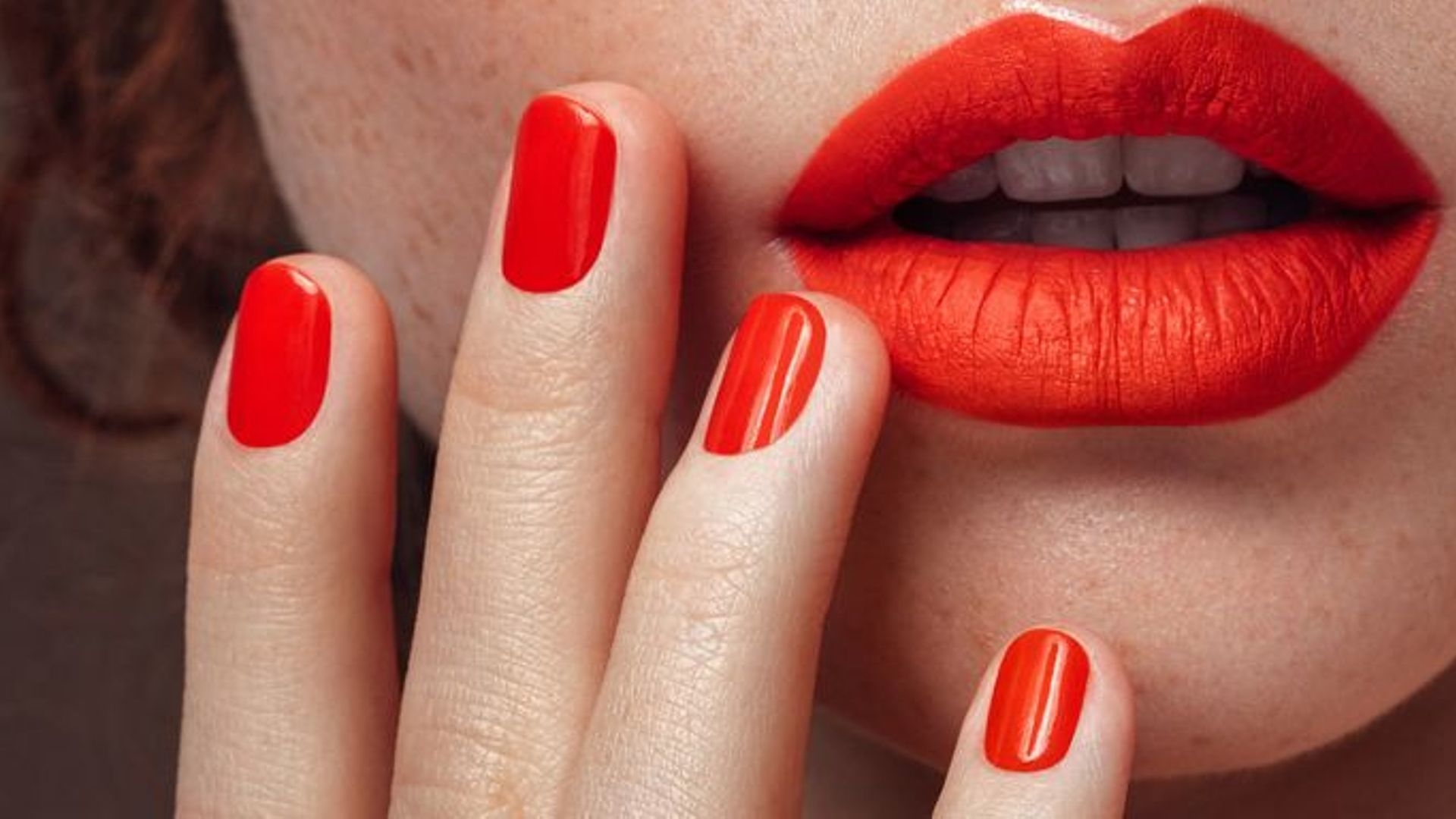 Shellac Nails Versus Gel Manicures, Explained