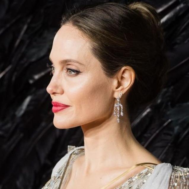 "Angelina Jolie Reveals She ""Wasn't Popular"" At School"