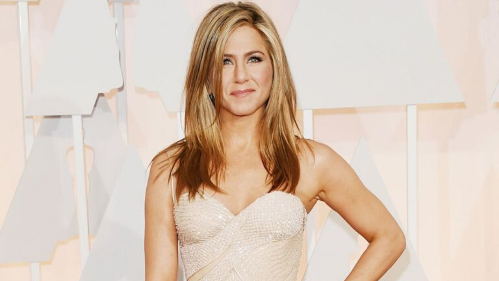 Jennifer Aniston Favours Intermittent Fasting, But Is It Right For You?