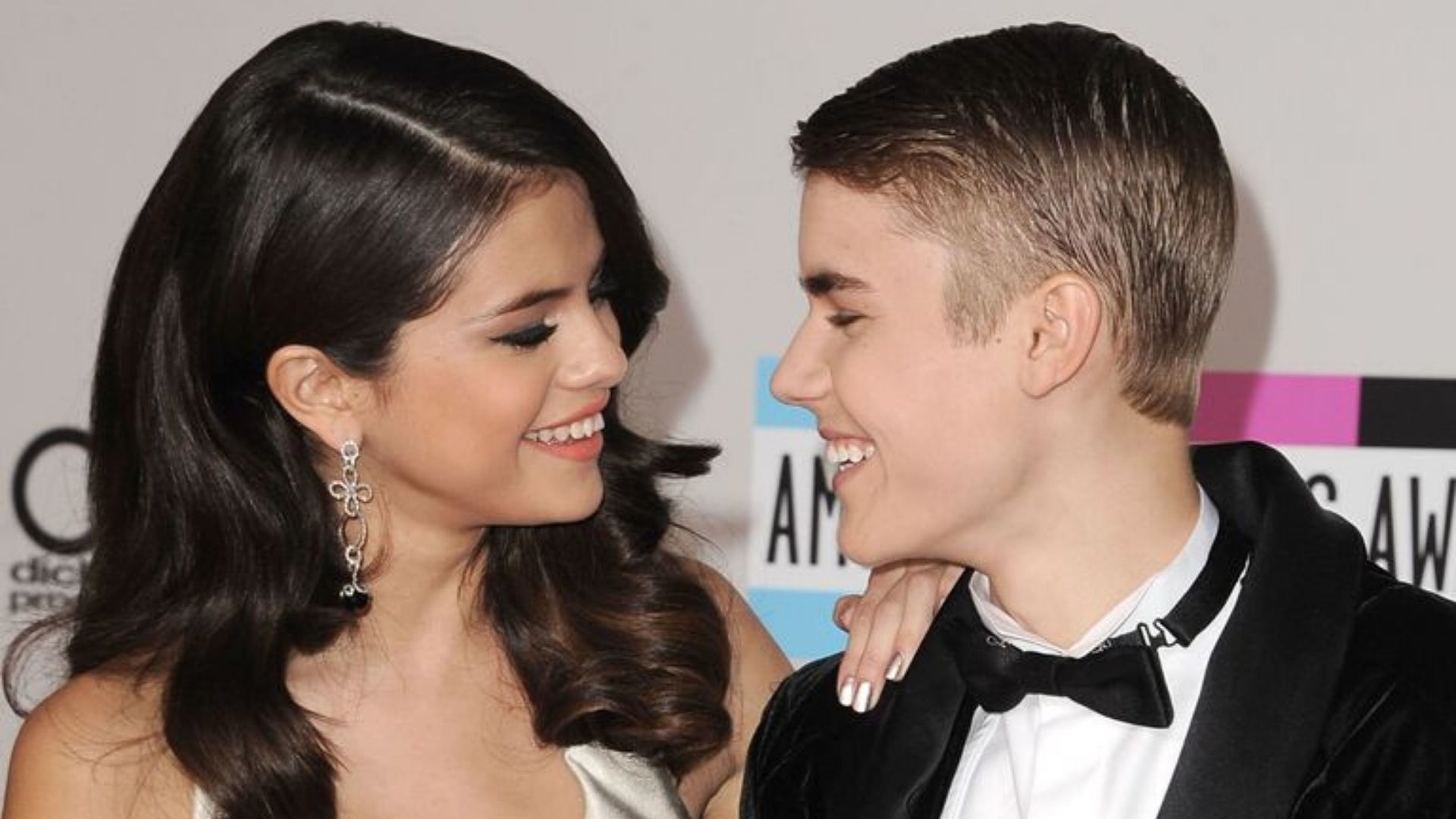 Selena Gomez Says She Wants Justin Bieber To Hear Her Songs