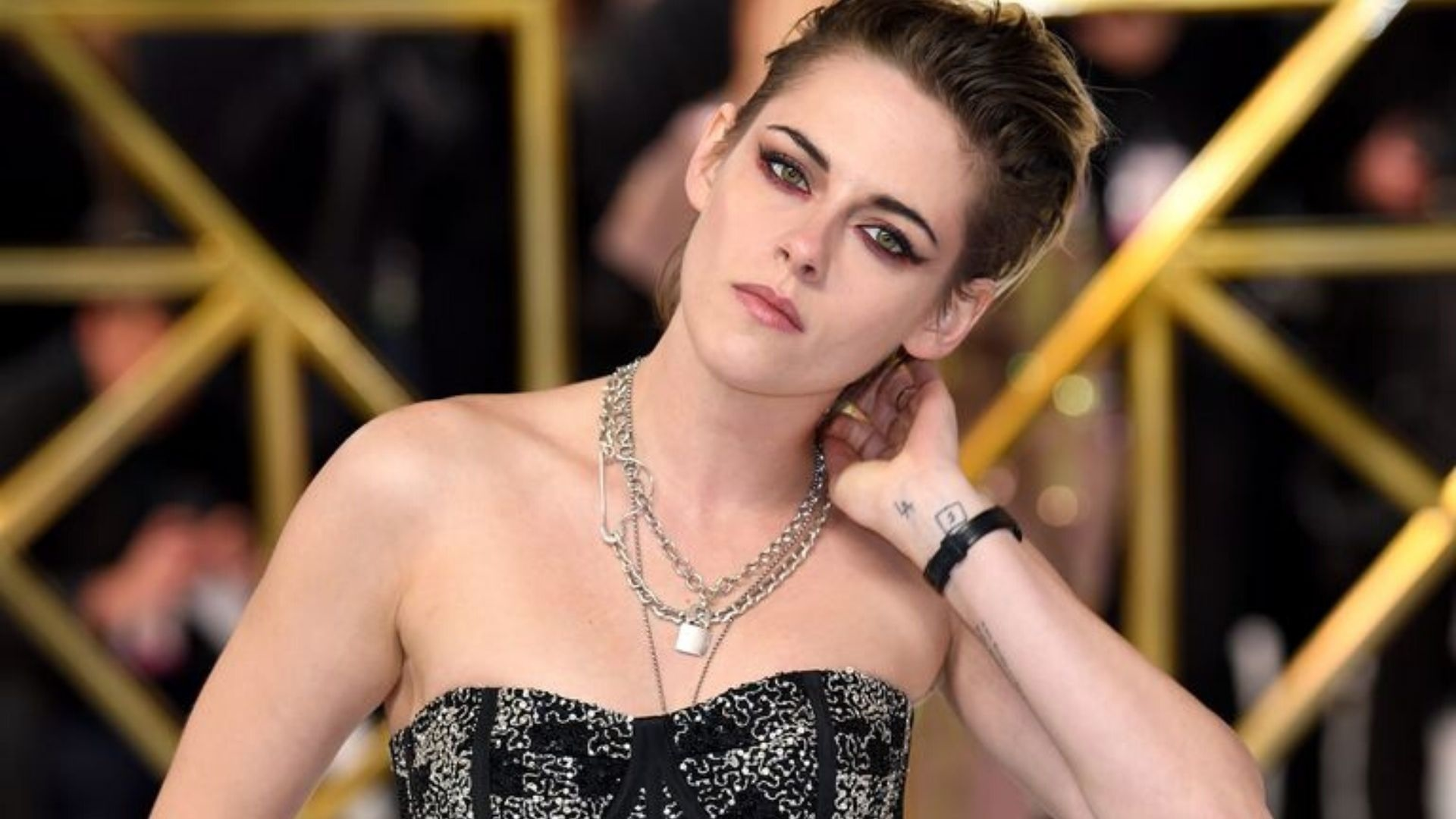 Kristen Stewart Wore Trainers On The Red Carpet Again