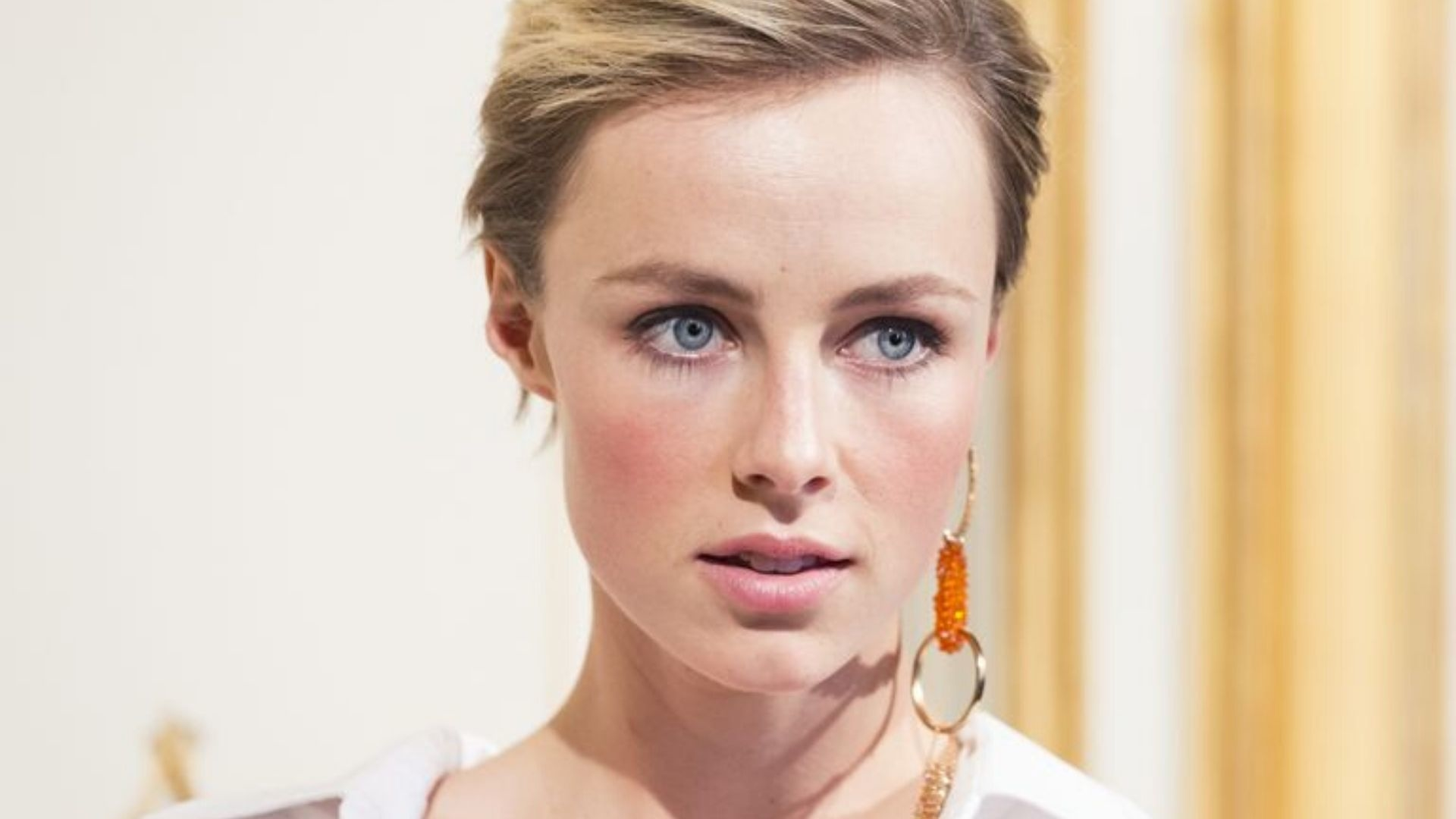 """Edie Campbell Told She Was """"Too Fat"""" To Open Milan Fashion Week"""