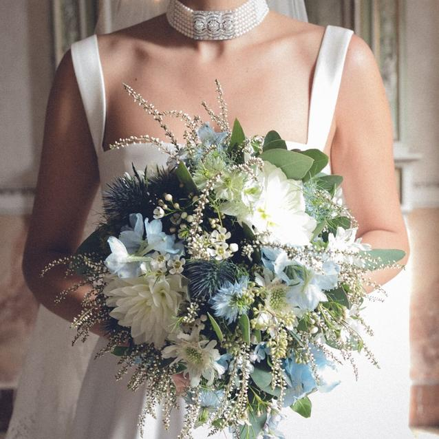 8 Ways To Use Pantone's Colour Of The Year On Your Wedding Day